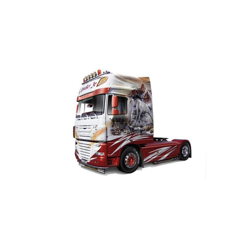 maquette camion italeri 1 24 3917 daf xf 105 smoky jr. Black Bedroom Furniture Sets. Home Design Ideas