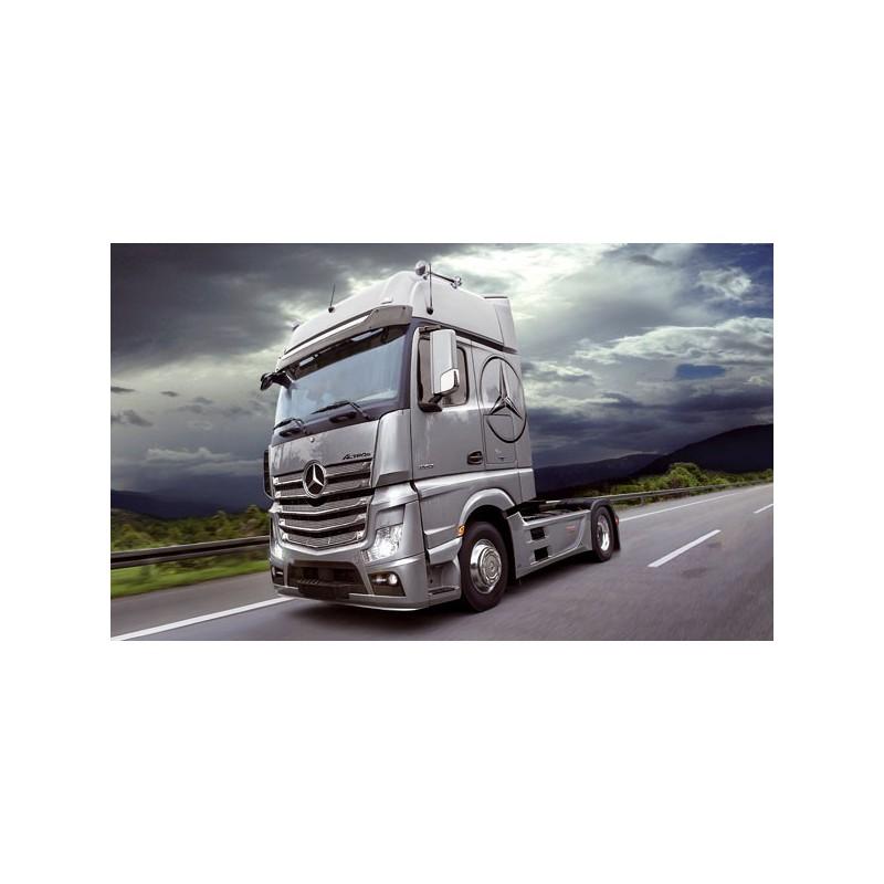 maquette camion italeri 1 24 3905 mercedes actros mp4. Black Bedroom Furniture Sets. Home Design Ideas