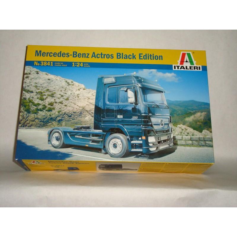 maquette camion italeri 1 24 3841 mercedes actros black edition. Black Bedroom Furniture Sets. Home Design Ideas